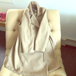 Gap maternity pea coat size large